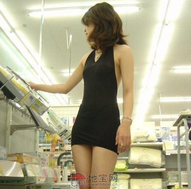 齐b小短裙的美女怕热的美女南昌最美少妇穿透视齐b小